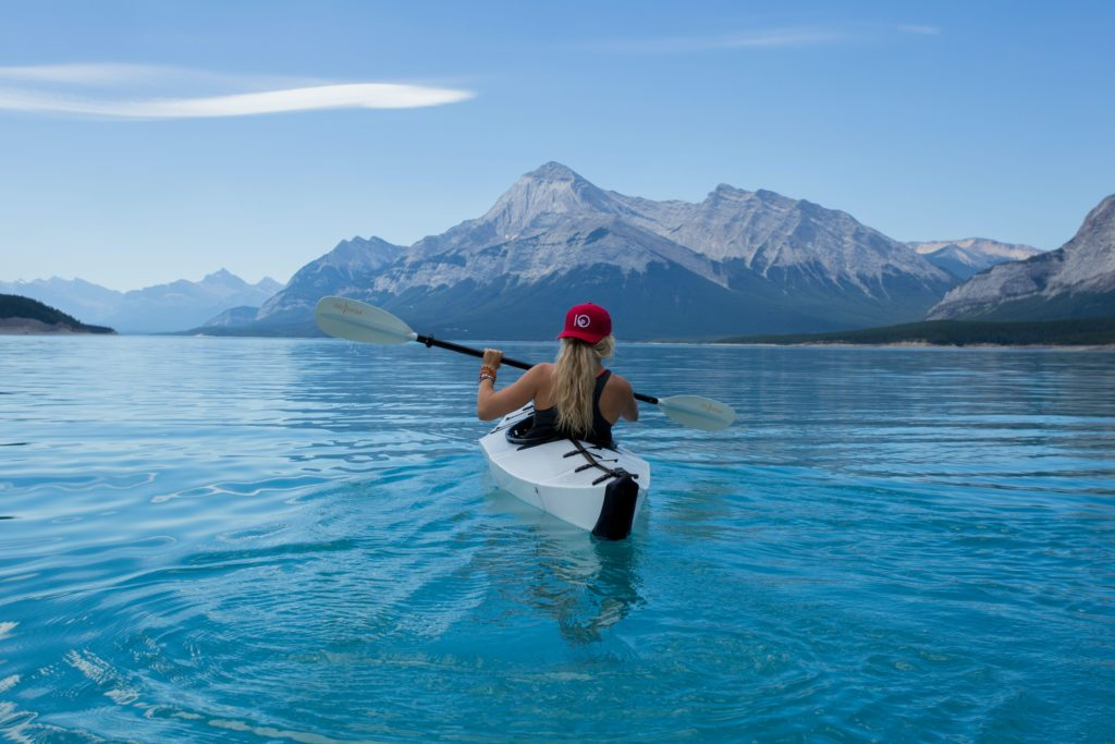 L'attribut alt de cette image est vide, son nom de fichier est kayak-tourism-1024x683.jpg.